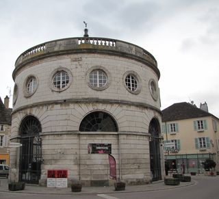 Halle ronde givry